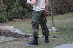 Nohavice v legendárnom prevedení BDU ešte do nedávna používaným vojskom americkej armády. http://www.armyoriginal.sk/3113/87775/us-maskace-bdu-genuine-woodland-helikon.html