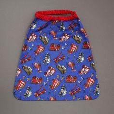 Serviette de table de cantine enfant élastique Police et pompiers Lilooka. L'enfant la met et la retire seul à la cantine ou à la maison. Lavable à 40 °. 100 % coton. Pour les enfants qui ne veulent plus de bavoir. Idée cadeau. Dimensions : 40 x 36 cm. http://www.lilooka.com/a-table-1/serviettes-de-table-cou-elastique-enfants/serviette-de-cantine-enfant-elastique-police-et-pompiers.html