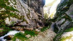 Foces del río Pino, Aller. http://www.lugaresdeasturias.com/foces-del-rio-pino-aller/