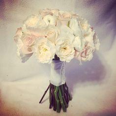 #gmkfloraldesigns #weddingflowers #bouquet #bride #flowers #floraldesign #ceremony #reception #wedding    www.gmkfloraldesigns.com    gmkfloraldesigns@yahoo.com      (610) 220-8764