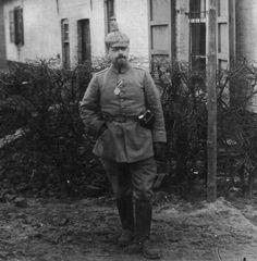 Wilhelm Pape, Führer einer Munitionskolonne im Feldartillerieregiment 51, wurde nach der Schlacht bei Langemark am 23.11.1914 mit dem Eisernen Kreuz ausgezeichnet.