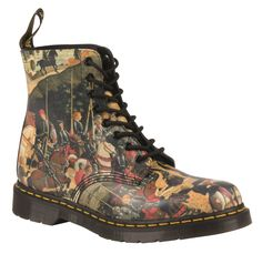 D'ANTONIO PASCAL  THE TRIUMPH OF CAMILLUS BY 15TH CENTURY ITALIAN RENAISSANCE PAINTER, DI ANTONIO CAPTURES A POST-BATTLE PARADE WITH THE HERO WHO FREED ROME. THE CLASSIC 8-EYE DR. MARTENS BOOT GETS THE D'ANTONIO TREATMENT ON TOP OF OUR SIGNATURE AIR-CUSHIONED SOLE, WELTED FOR COMFORT AND DURABILITY. A GREAT ADDITION TO OUR REINVENTED RANGE, WHICH PLAYS WITH HISTORY TO CREATE SOMETHING NEW.