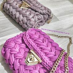 Yakın zaman #tbt si ile #goodmorningworld . . . . . . #penyeip#penyesepet#penyeorgu#orgu #orgucanta#ceyiz#orgusepet#sepet #sepetyapimi #sunum #vintage #penyepaspas #ceyizlik#paspas#crochet#bebekodasi #yarn#englishhome#penyepaspas #penyecanta#paspas#hediye #annelergunu#orguhali#hediyelik#canta#supla#handmade#puset#clutch
