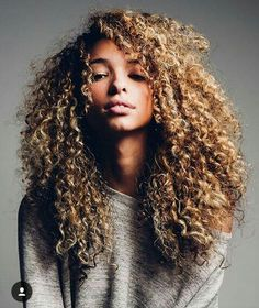 I want my hair this long Curly Hair Styles, Natural Hair Styles, Coiffure Hair, Pelo Natural, Long Natural Curls, Natural Hair Inspiration, Afro Hairstyles, Updo Hairstyle, Wedding Hairstyles