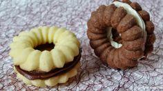 Konyha Naplóm: Fehér/étcsokoládéval töltött linzer Onion Rings, Eid, Sushi, Waffles, Cookies, Breakfast, Ethnic Recipes, Recipes, Crack Crackers