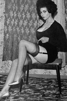 Elizabeth Gallacher - Span No 123 (November 1964)
