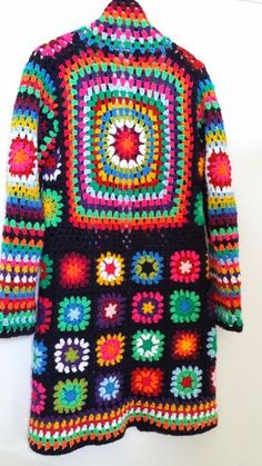 Gelukt!   Ik zag dit mooie vest (in het rood) al een tijdje op pintrest.   Staat al een tijdje op mijn wensenlijstje.   Vorige week kre...