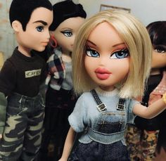 "Learn more information on ""asian doll"". Bratz Doll Makeup, Bratz Doll Outfits, Disney Descendants Dolls, Brat Doll, Bratz Girls, Cartoon Profile Pics, Profile Pictures, Moda Emo, Hijab Fashion Inspiration"