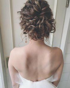 挙式は後れ毛を作って綺麗に作りすぎないニューヨークスタイルで☺️✨ #weddingdress #プレ花嫁 #花嫁 #ブーケ #CD #WD #挙式