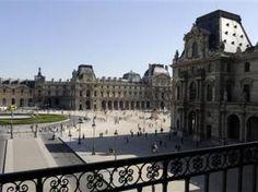 """FRANCIA > PARIS """"Reabre el Louvre tras cierre por violencia de carteristas"""". .. El célebre museo francés volvió a recibir al público este jueves luego de que un día antes agentes de seguridad ejercieran su derecho a dejar de trabajar por robos violentos, obligando a cerrar las puertas a los visitantes. .. 11 Abr 2013. (IPITIMES.COM ® /New York. FUENTE: RFI)."""