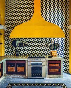 Kitchen Backsplash Yellow Interior Design 44 New Ideas Decoration Inspiration, Interior Inspiration, Sunday Inspiration, Kitchen Inspiration, Kitchen Ideas, Kitchen Interior, Kitchen Design, Kitchen Furniture, 2019 Kitchen Trends