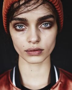 Luma Grothe was shot by Billy Kidd for Grey magazine. Luma Grothe was shot by Billy Kidd for Grey magazine. Grunge Look, Style Grunge, 90s Grunge, Soft Grunge, Face Photography, Photography Women, Makeup Inspiration, Character Inspiration, Androgynous Makeup