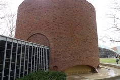 Eero Saarinen's MIT Chapel