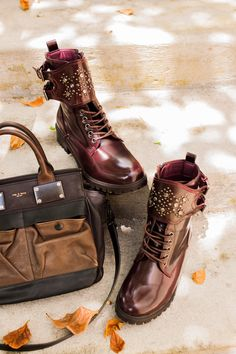 Fall boots | Fashion 2014 | Studded boots and purse