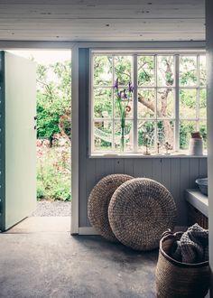 Just nu ligger två superfina hemma-hos reportage uppe på Lovely Life. Det ena är från keramikern Elin Lannsjöskolonistuga och det andra får stylisten Mari Strenghielms huspå Dalarö. Två...