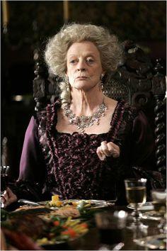 La joven Jane Austen : foto Julian Jarrold, Maggie Smith
