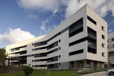 Zielony Graduate Student Village / Schwartz Besnosoff Architects + Bar Orian Architects