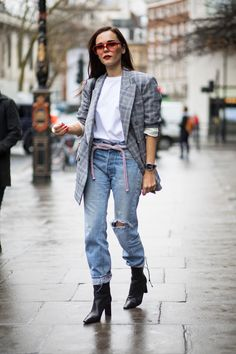 Blazer, light wash jeans, black boots