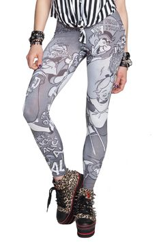Take a stroll down the rabbit hole in these Alice In Wonderland themed leggings.