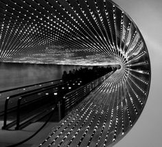 """Multiverse"", the largest and most complex light sculpture created by American artist Leo Villareal, may be seen and experienced by visitors as they pass through the Concourse walkway between the East and West Buildings of the National Gallery of Art. Art Fou, Modern Art, Contemporary Art, Interactive Art, Interactive Exhibition, National Gallery Of Art, Light And Space, Monochrom, Light Art"