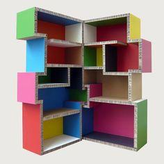 Meuble bibliothèque en carton 'totem'
