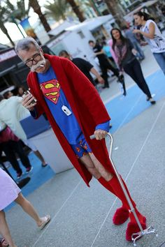 Old Superman, People Having Fun, Comic Books, Cosplay, Costumes, Gallery, Photos, Fashion Design, Pictures