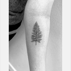 Trees love tattooing them!!! #tattoosofinstagram #singleneedle #tattooedgirls #tree #treetattoo #singleneedle #fineline #travel #art #love