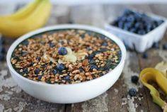 Smoothie Bowl: Blueberry Banana Crunch