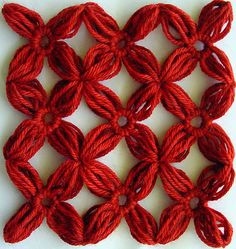 Nine yarn flowers joined together  Hairpin lace, #free #crochet #pattern <3ceruleana<3