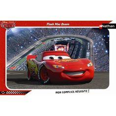 Puzzle Cars avec le héros préféré des enfants: Flash McQueen. Puzzle Cars Flash Mc Queen de marque Nathan. Ce puzzle est composé de 15 pièces en carton très épais. Il a également une image imprimée sur le fond du puzzle. Ce puzzle Cars Flash Mc Queen est parfait pour aider l'enfant à se souvenir de l'image à reconstituer.