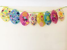 Easter Egg Collage Bunting – Simple Kids Craft