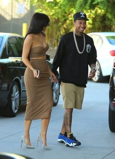 Kylie Jenner Out About In Woodland Hills 2015 ~ Kylie Jenner Website Kylie Jenner Website, Kylie Jenner Style, Kylie Jenner Snapchat, Woodland Hills, Peplum Dress, Sporty, Dresses, Birds, King