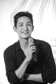 Lee Hyuk, Lee Soo, Korean Model, Perfect Man, Handsome Boys, Boyfriend Material, Korean Actors, Black And White Photography, How To Look Better