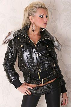 Fashion Beauty, Female Fashion, Womens Fashion, Fashion Trends, Hot Outfits, Skin Tight, Jackets For Women, Pvc Raincoat, Rain Coats
