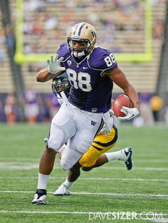 UW Tight End - Austin Seferian-Jenkins Uw Huskies, College Football Helmets, Husky Photos, Husky Husky, Tight End, University Of Washington, Purple Reign, Athletes, Seattle