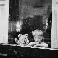 The peculiar, haunting photos Dare Wright created to illustrate her 1957, The lonely Doll