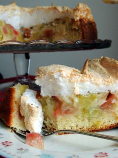 Rhubarb Tea, Rhubarb Recipes, Piece Of Cakes, I Love Food, Delicious Desserts, Cravings, Cake Recipes, Sweet Tooth, Food And Drink