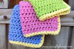 Make these Crocheted Dishcloths with cotton yarn and a 5.5mm hook! Free pattern with step by step pictures for an easy beginners project.