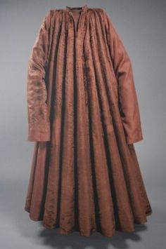 Houpelande of Jan Zhorelecky made from velvet. Usually worn with belt and decorated with fur, 1396