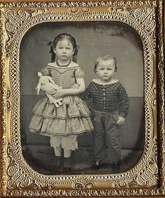 Civil War era daguerreotype of adorably serious-faced little girl and boy, girl is holding a doll Vintage Children Photos, Vintage Girls, Vintage Pictures, Old Pictures, Vintage Images, Old Photos, Victorian Photos, Antique Photos, Vintage Photographs