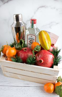 DIY Craft Cocktail Gift Basket - Pomegranate & Mandarin Gin Fizz Cocktail Kit Homemade Gift Baskets, Diy Gift Baskets, Homemade Dog Treats, Homemade Desserts, Homemade Gifts, Fruit Gifts, Edible Gifts, Food Gifts, Gin Recipe Card