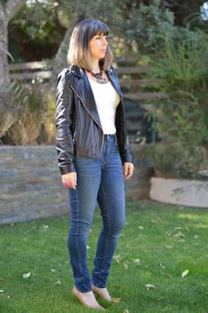 Skinny jeans with a leather jacket - perfecting the 'rock' chick look! #MassimoDutti jacket #Levis