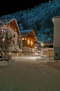 The Scout Guide Jackson Hole Christmas Scenes, Cozy Christmas, Christmas Lights, Beautiful World, Beautiful Places, Winter Scenery, Winter Wonder, Christmas Aesthetic, Winter Landscape