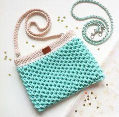 Diy Crochet Bag, Crotchet Bags, Crochet Clutch, Crochet Fabric, Fabric Yarn, Crochet Handbags, Crochet Purses, Knitted Bags, Crochet Stitches