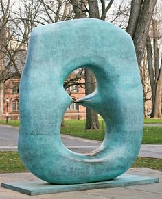 "Form - ""Oval with Points""  Henry Moore, 1969-70) (I think this is on the Princeton campus ... BP)"