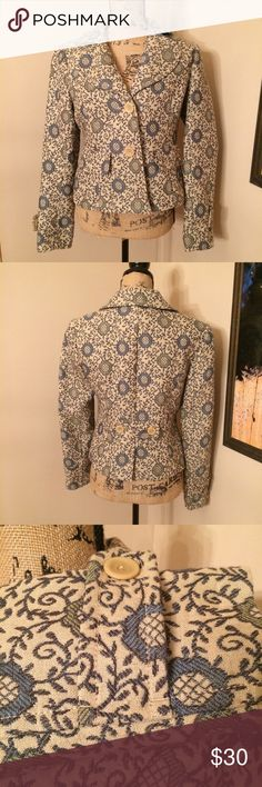 "Loft floral blazer Like new Loft blazer. Features faux front pockets and 2 large button closure. Dry cleaned, TTS. Pit to pit approximately 18"". Shell: 67% wool, 33% cotton. Lining: 100% acetate. 🚫No lowball offers. 💰I offer a 10% bundle discount on 3 or more items. LOFT Jackets & Coats Blazers"