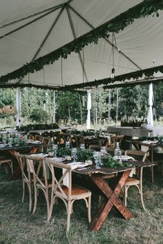 Kelly & Melissa's Wedding - Rustic style wedding next to Ottawa - Photo by Brandon Scott Photography - All the story of this lovely couple on Crazy in Love Blog