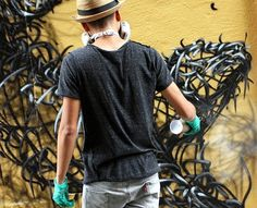 ENDLESS CANVAS - Awesome works by Chinese street-artist DALeast, who populate the streets from around the world, from France to Hawaii through Greece, Germany or the United States, with wild animals and strange creatures born of a tangle of cables…