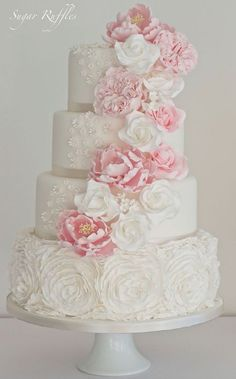 Sugar Ruffles wedding cake idea - Deer Pearl Flowers / http://www.deerpearlflowers.com/wedding-cakes-desserts/sugar-ruffles-wedding-cake-idea/
