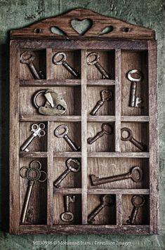Old keys and locks! Under Lock And Key, Key Lock, Antique Keys, Vintage Keys, Vintage Mom, Old Key Crafts, Cles Antiques, Shadow Box Art, Old Keys